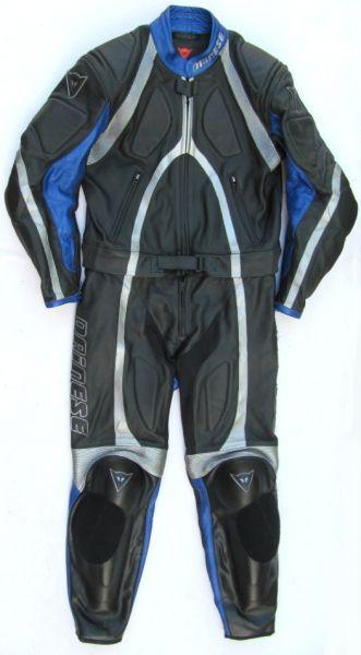 Top DAINESE T-Age Gr. 48 Zweiteiler Lederkombi schwarz blau